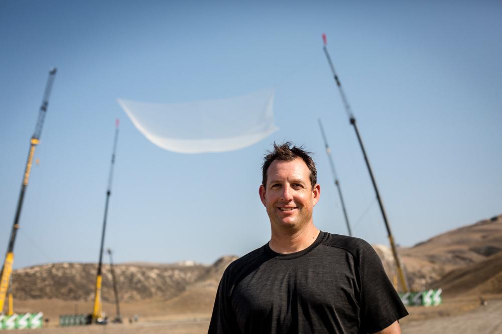 Luke Aikins historic skydive