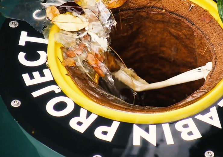 Seabin collects plastic waste from the world's oceans