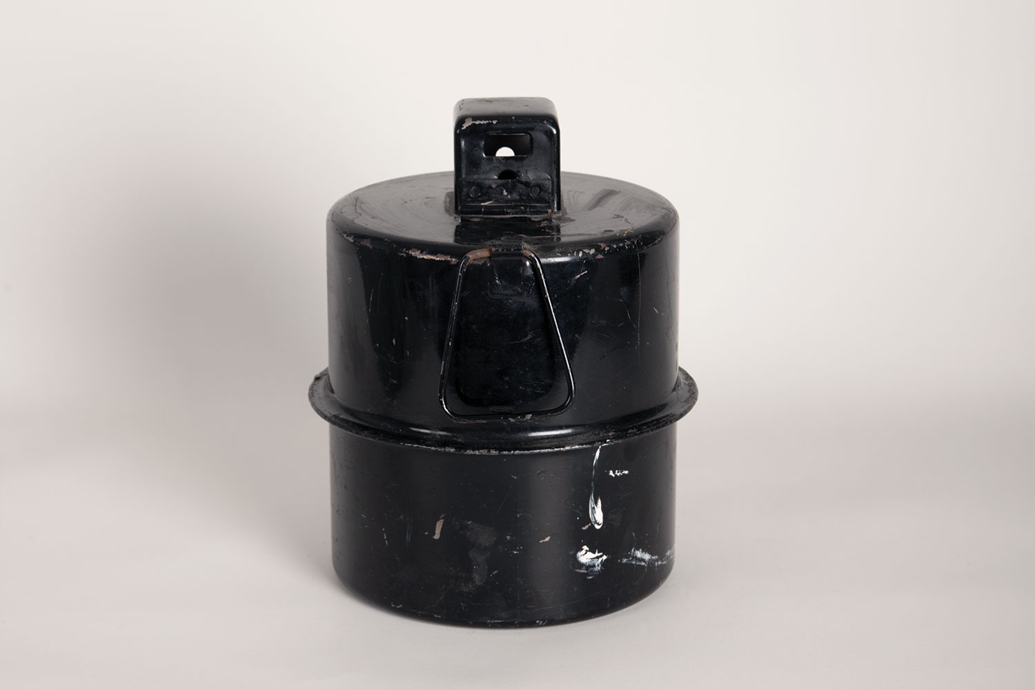 An aviation landing lamp, from the 1940s.