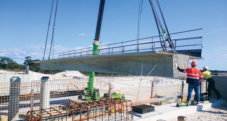 Construction of the fauna bridge.