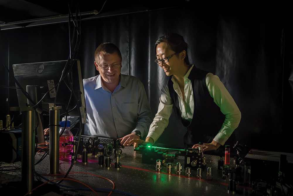 Li (right) with University of Adelaide colleague Rodney Kirk. (Image: University of Adelaide)